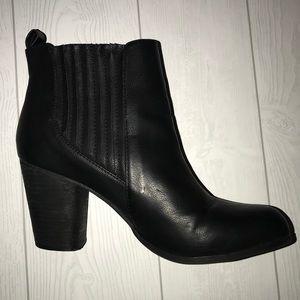 Black Ankle Boot w/Heel